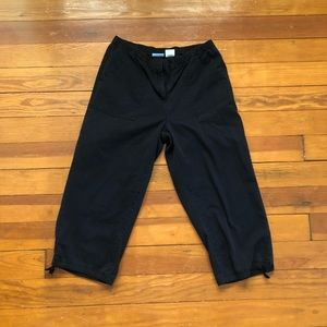Classic Elements Black Capri Pants